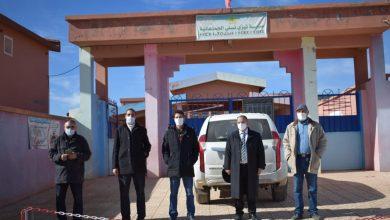 صورة مدير أكديمية بني ملال يتفقد عددا من المؤسسات التعليمية بالحزام الجبلي بالإقليم