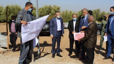 صورة الانتهاء  من الدراسة الأولية  لبناء طريق سيار يربط بين بني ملال وقطبي فاس مكناس، وإطلاق الدراسة لبناء ملعب كبير لكرة القدم
