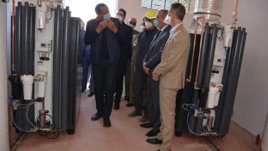صورة العطفاوي يتفقد مشروع تجهيز وحدة حديثة  لتوليد الأوكسجين بمستشفى أزيلال