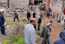 صورة سلطات بني ملال تهدم 50 صندوقا و 12 أساسا بحي تفريت، وتقطع الطريق على تجار المآسي الانسانية