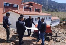 صورة المدير الإقليمي للتعليم بأزيلال يتفقد ورش مشروع بناء ثانوية تيلوكيت التأهيلية