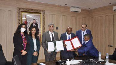 صورة توقيع اتفاقية إطار للتعاون بين جامعة السلطان مولاي سليمان بني ملال والقنصلية العامة لجزر القمر