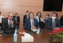 صورة حفل تسليم السلط بين  سعيد أمزازي، وزير التربية الوطنية والتكوين المهني، سابقا، وخلفه شكيب بنموسى